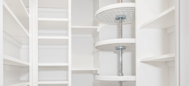 lazy Susan shelf stand for pantry organization