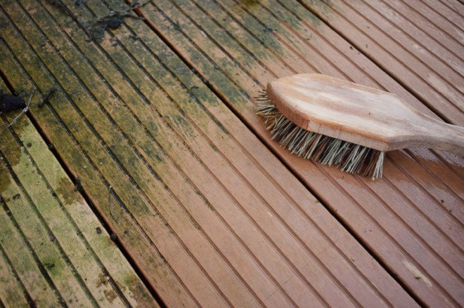 4 Wood Deck Mildew Prevention Tips