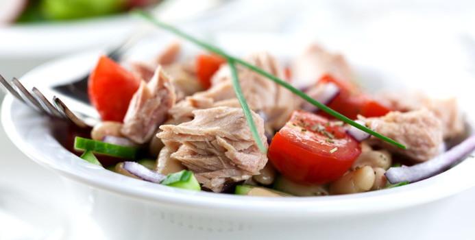 tuna salad_000012981536_Small.jpg
