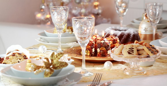 holiday dinner table.jpg