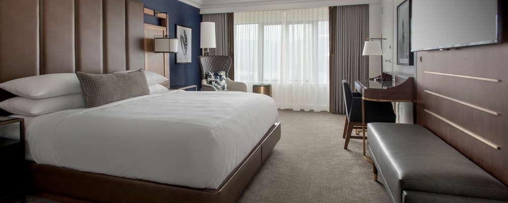 Boston Marriott Long Wharf, king guest room