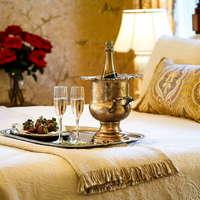 Splurge at These Luxury Savannah Hotels