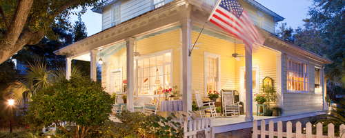 Slip away any day now to Lighthouse Inn's romantic Tybee Island beach cottage, located in Fort Screven Historic District's picturesque north beach.