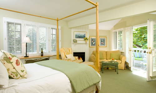 Guest room at Channel Road Inn in Santa Monica