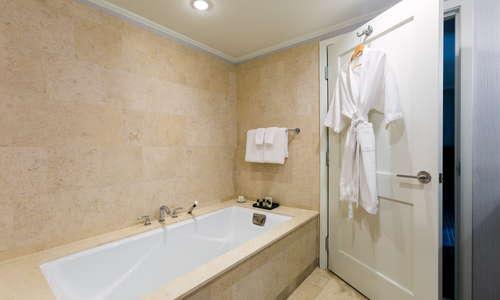 Chancellor Suite Bathroom