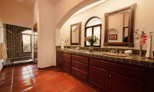 Suite Santa Barbara Bathroom