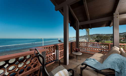 Spacious Beachfront Room with Private Balcony