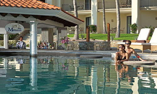 Dreams Los Cabos has three pools for you to enjoy: Main Pool, Kid´s pool, and Adults pool, with a very quiet and relaxing ambiance.