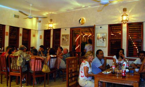 Maya Luna Restaurant
