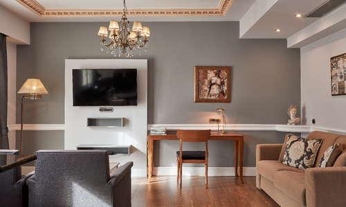 AVA Exclusive Suite