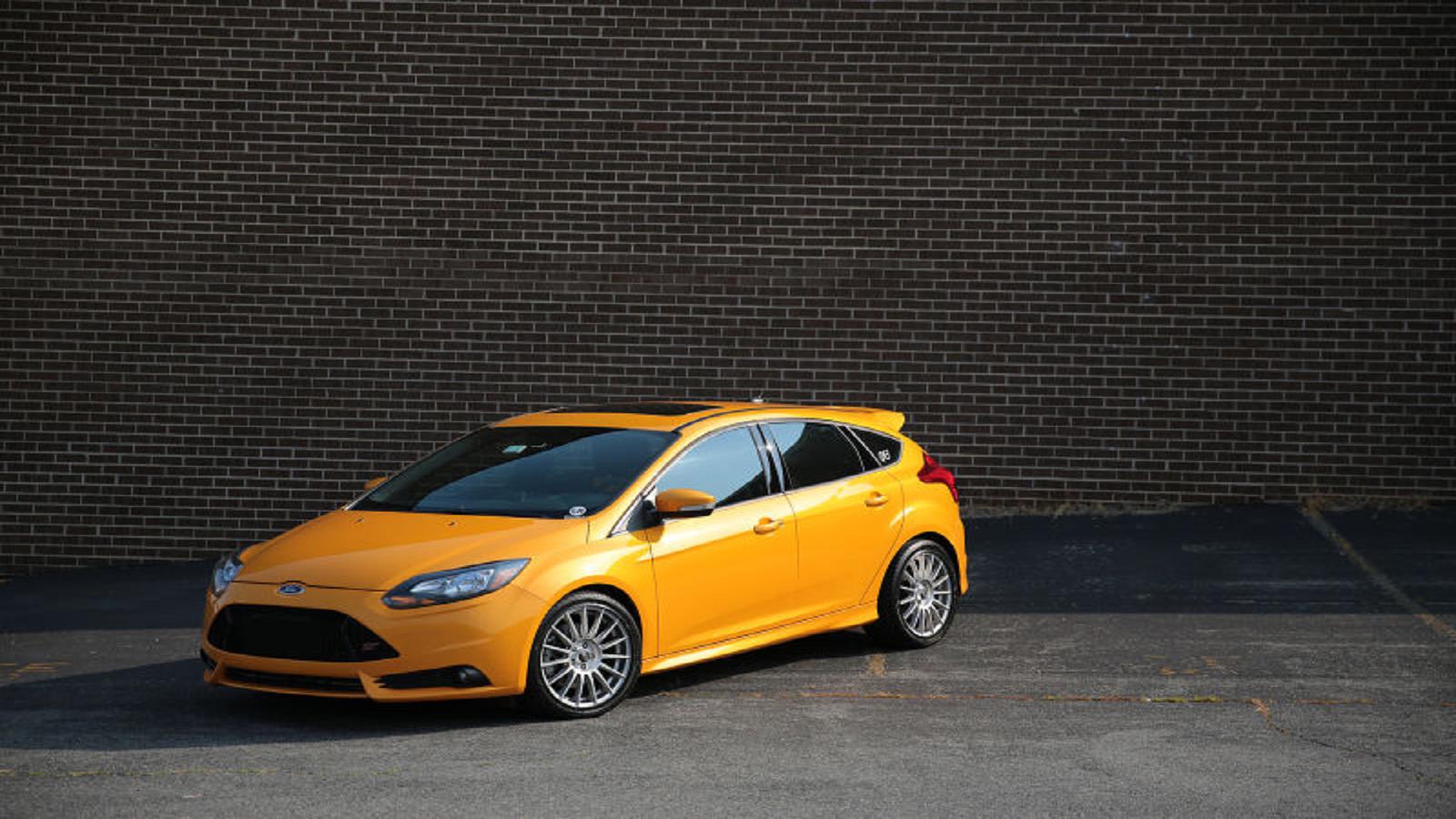 Tangerine Scream Ford Focus ST