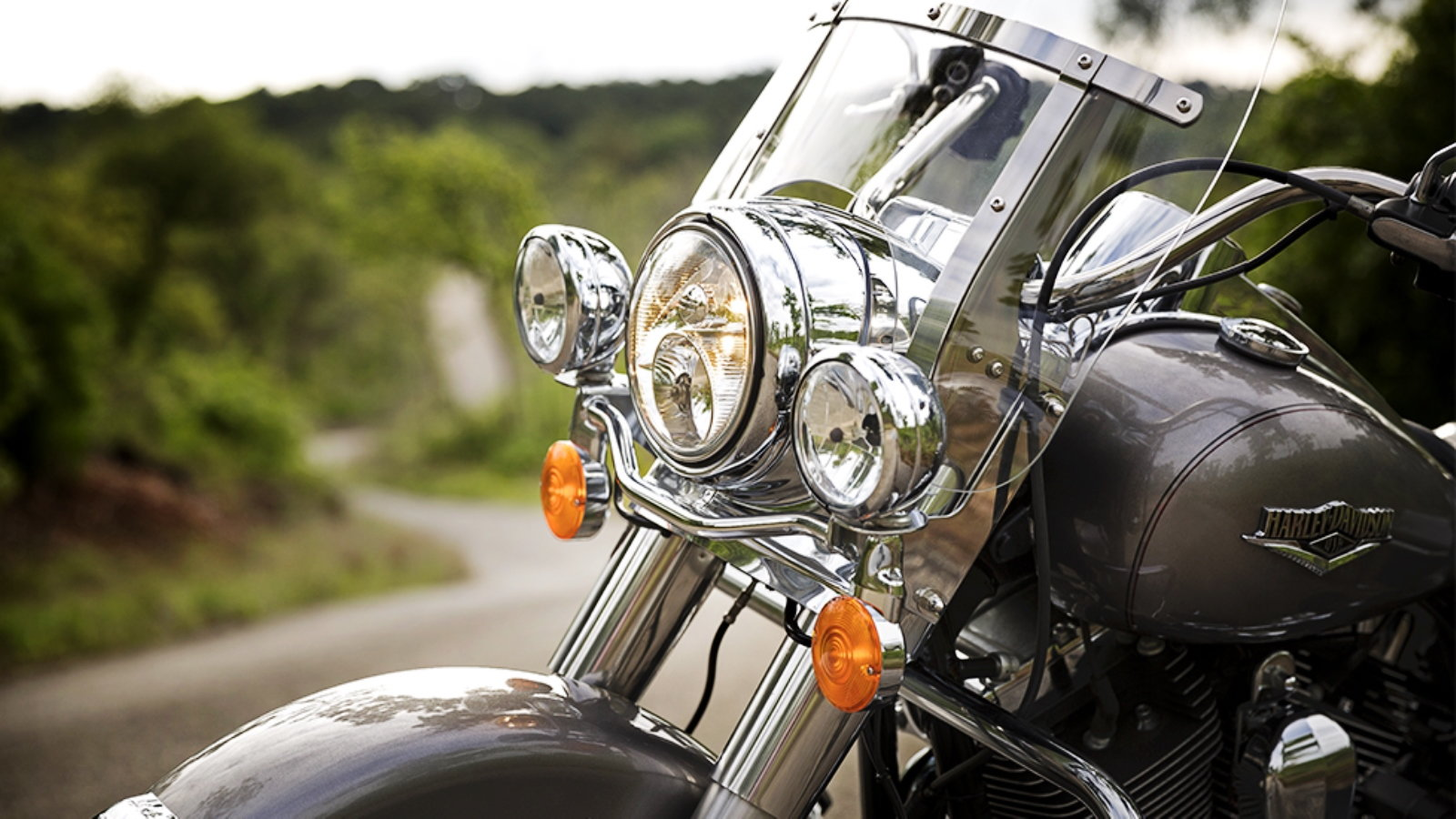 Harley Davidson Touring  How To Replace Running Light Bulbs
