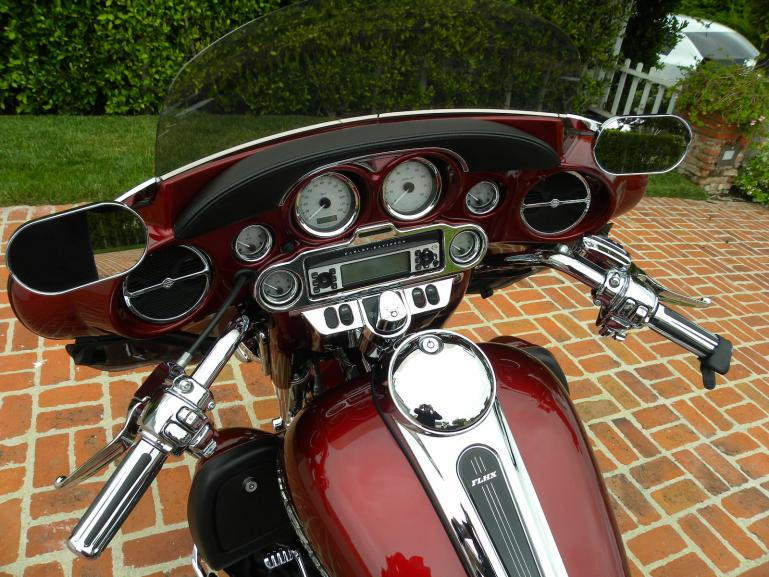 Fairing mounted mirrors