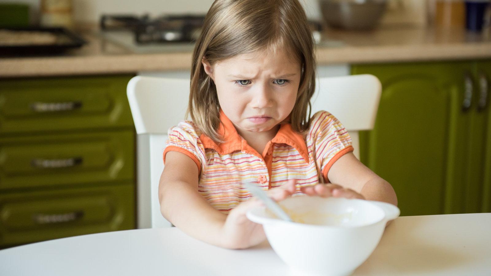 girl refusing breakfast