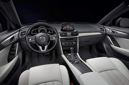 2017 Mazda CX-4 dashboard