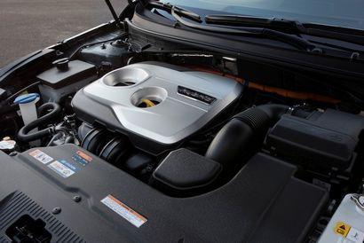 Hyundai 2.0L DOHC I-4 / 50-kW (67-hp) electric motor (Sonata PHEV)