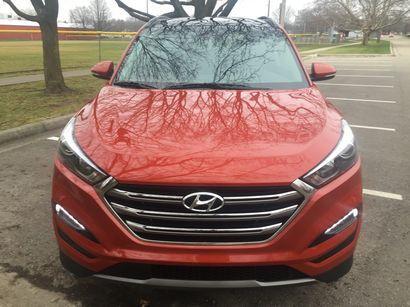 2016 Hyundai Tucson Limited AWD front fascia detail