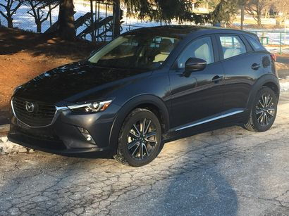 2016 Mazda CX-3 Grand Touring AWD front 3/4 view