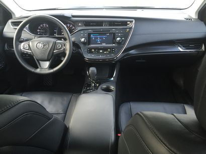 2016 Toyota Avalon Limited dashboard layout