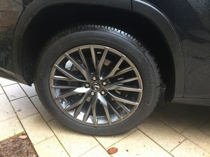 2016 Lexus RX 350 F Sport wheel detail