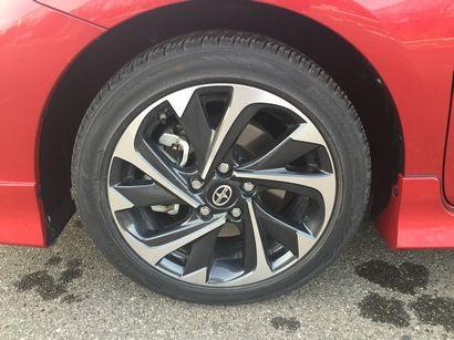 2016 Scion iM 16-inch alloy wheel detail