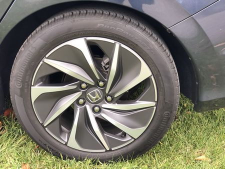 2019 Honda Insight Touring alloy wheel
