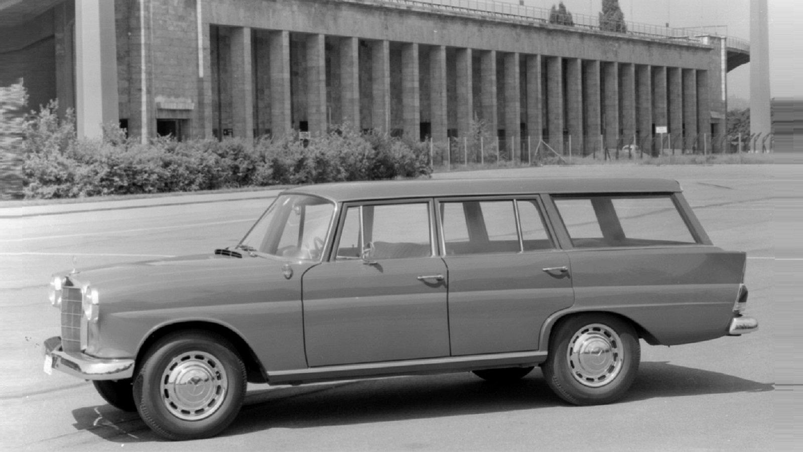 1965 Dc Universal Wagon (W110)