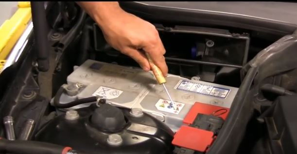 Step 2 Remove The Battery