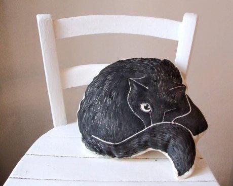black-cat-pillow-lg.jpg