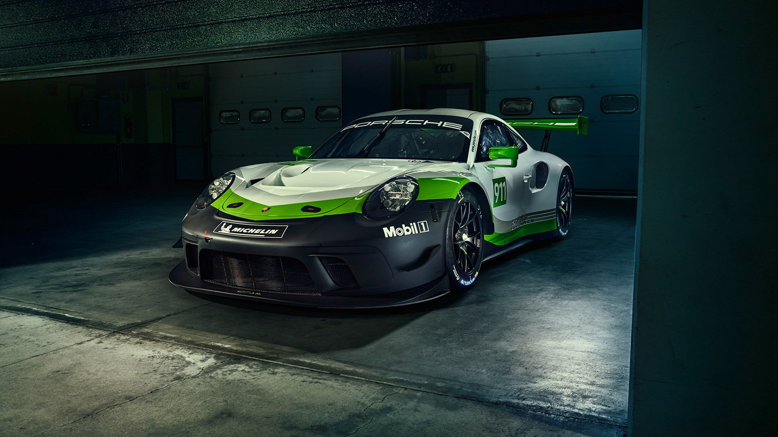 Another Look at the Track-Only 911 GT3 R