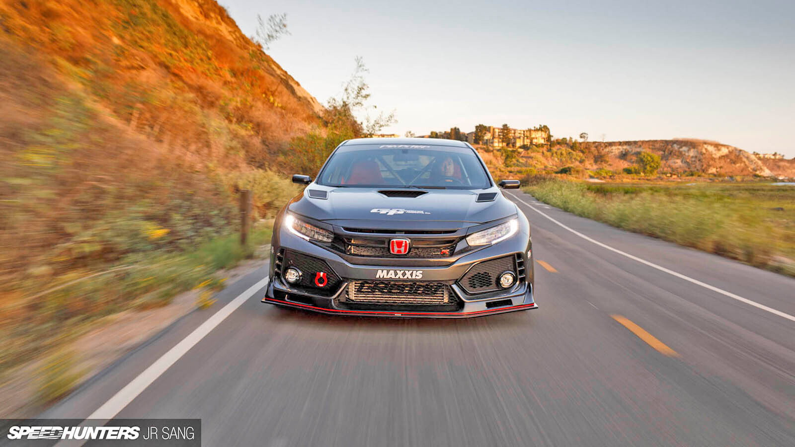 Evasive Motorsports Civic Type R is Magic Manifested