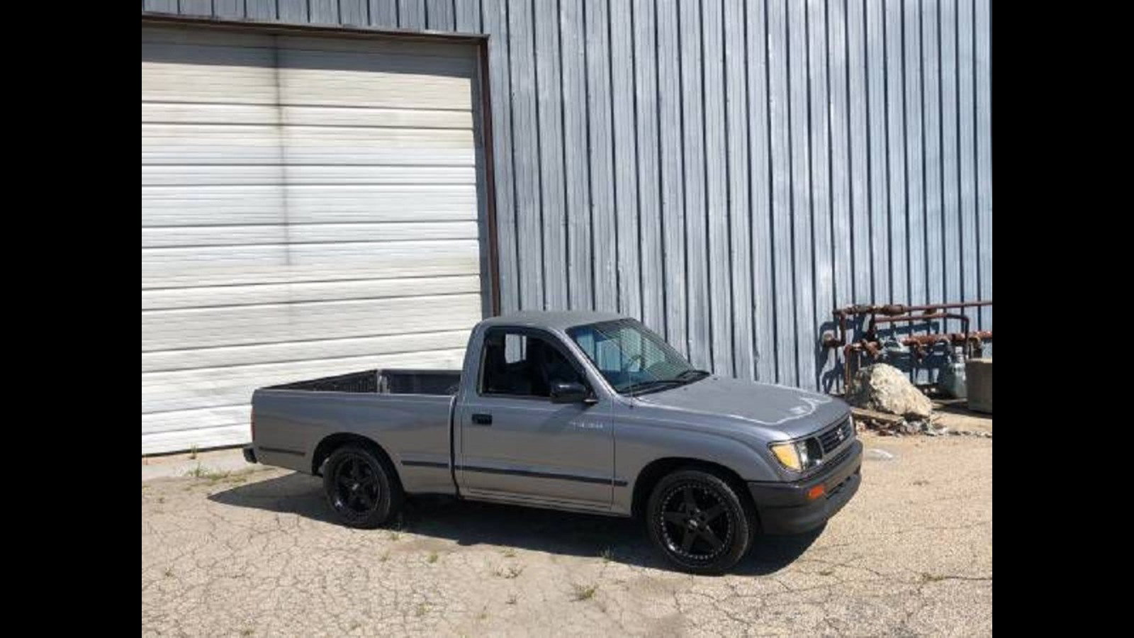 Someone Swapped an F22 into a 1996 Tacoma