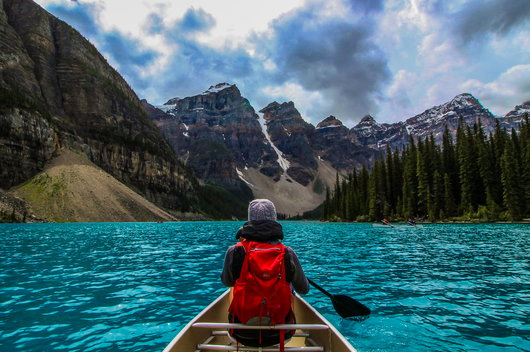 A sober traveler has an adventure on a canoe.