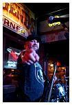 http://www.steves-digicams.com/camera-reviews/sony/7-and-7r/A7/DSC00035.JPG