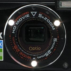 pentax_w90_lens_led_lights.jpg
