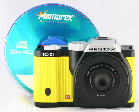 Pentax-K-01_withCD.jpg