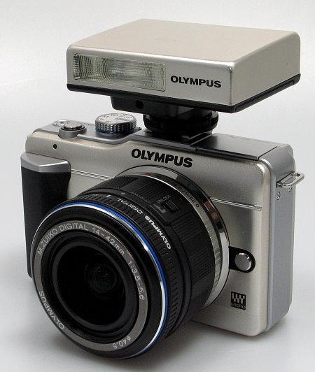 olympus_e_pl1_mounted_flash.jpg
