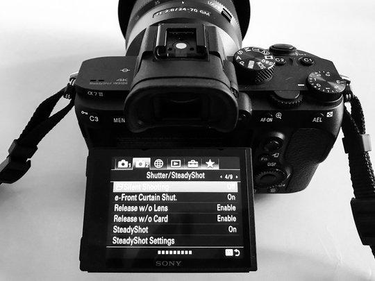 Sonya7III_ProductImage_LCD.jpg