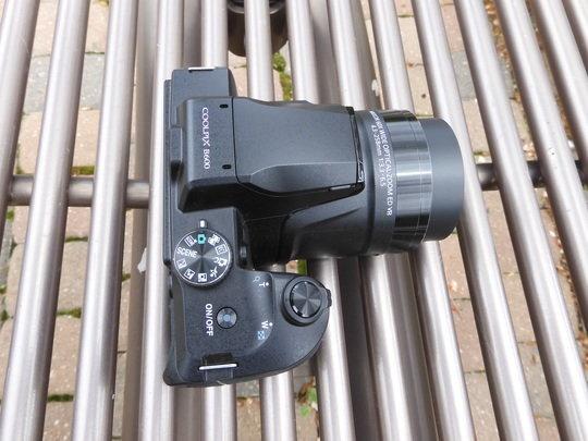 nikon-b600-top.jpg