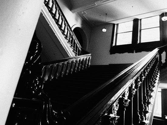 Olympus_PEN-F_Stairs.jpg
