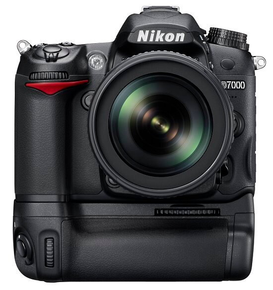 nikon_D7000_MB_550.jpg