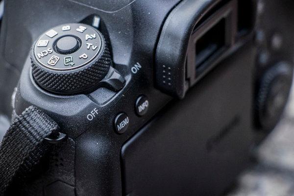 Canon_EOS_6D_MarkII_Product Shots-7.jpg