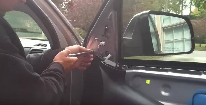 Toyota Tundra replacing side mirror