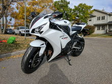 2014 CBR1000RR. Estate bike with less than a thousand kms
