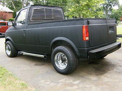 Custom Hauler: 1992 Chevrolet Astro Pickup
