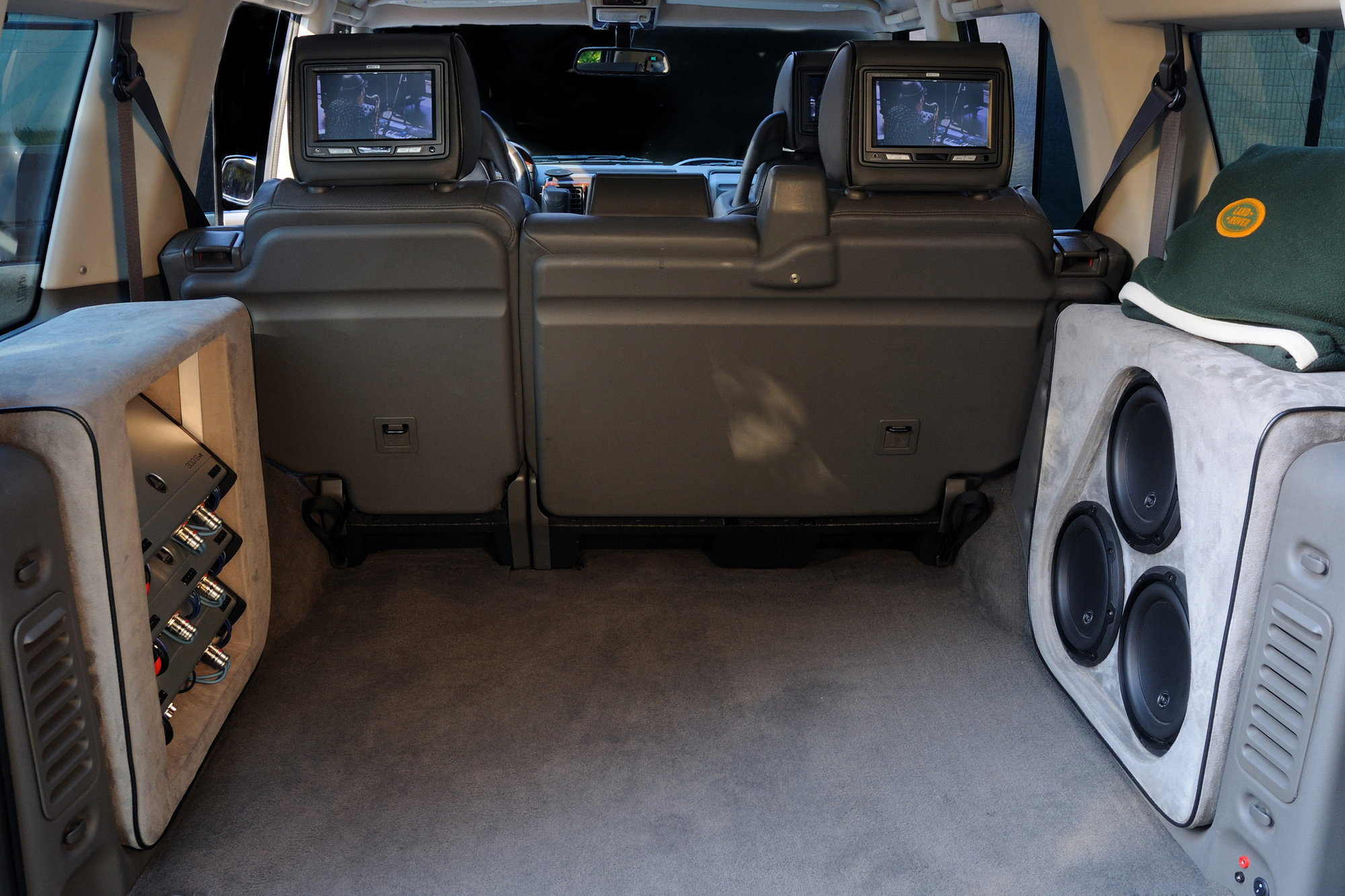 Subwoofer mod!! - Page 3 - Land Rover Forums - Land Rover