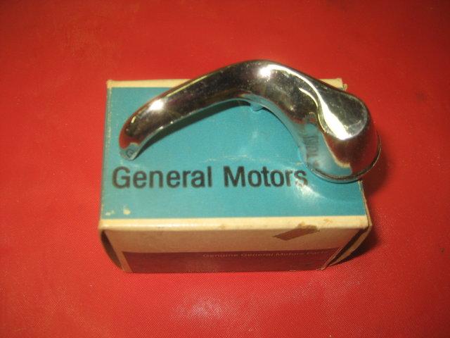 NOS 1966-67 Pontiac GTO Vent Window Handle