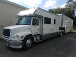 Selling 2001 Freightliner FL-112 toterhome w/2007 Pace 40' 3