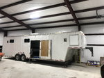 2005 United 36' Gooseneck w/ Beavertail and Bathroom&n