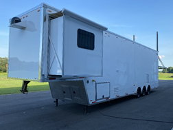 2019 WILDSIDE 46' LIFTGATE TRAILER W/LIVING QUARTERS